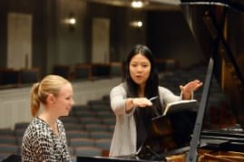 Yang shares tips with junior piano performance major Anna Unterreiner