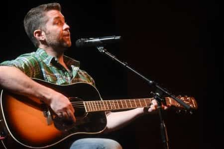 "Josh Turner performs ""Long, Black Train"""