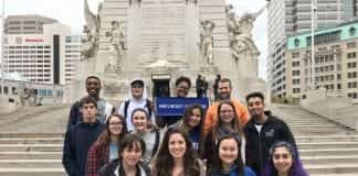 Belmont on Mission Image -- Students and faculty/staff in Indianapolis
