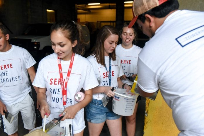 Belmont students gather painting supplies for service project at Nashville General Hospital