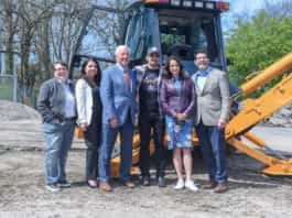 Photo of Gina Hancock, Megan Zarling, Bob Fisher, Brad Paisley, Kimberly Williams-Paisley and David Minnigan at ground breaking for The Store.