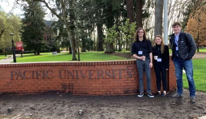 Students at Philosophy conference in Oregon