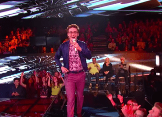 Walker Burroughs Performing on American Idol Top 8