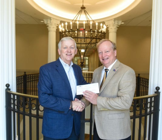 Gwaltney and Stone Make Agreement Official