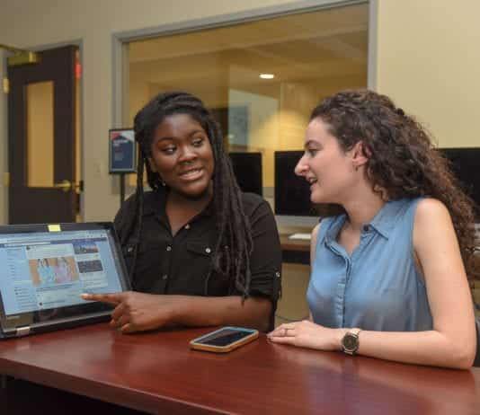 Students Looks at Social Media Analytics