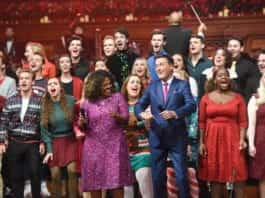 Winans and Smith Sing with Students