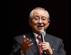 Dr. Billy Kim speaks at Chapel