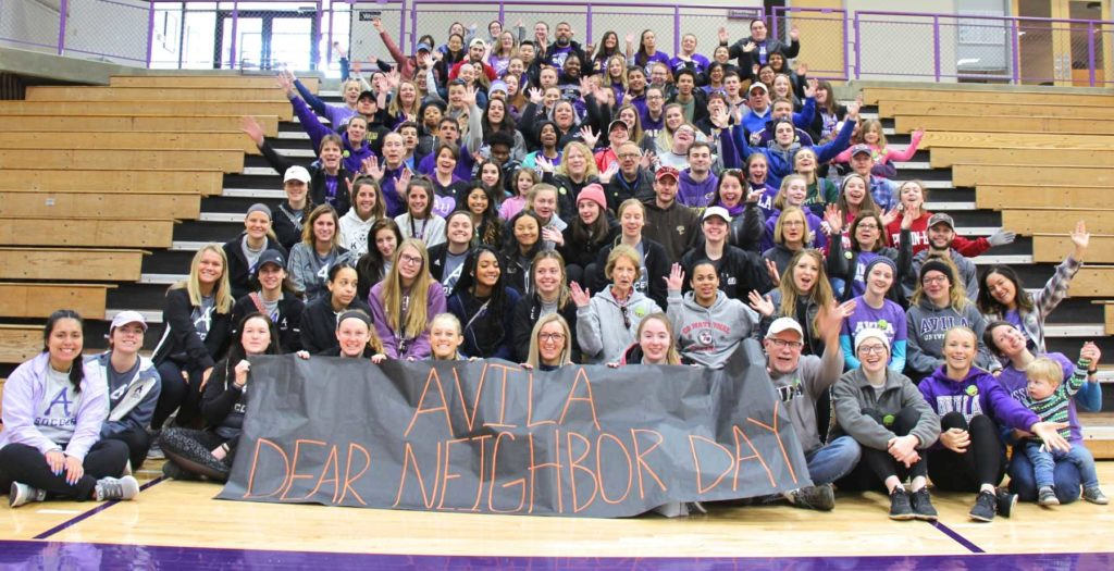 2019 Group shot of Dear Neighbor Day participants in Mabee Fieldhouse