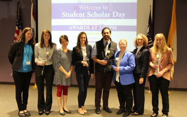 Seniors Pose for Photo at Student Scholar Day